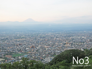 愛宕山科学館から見る甲府の景色