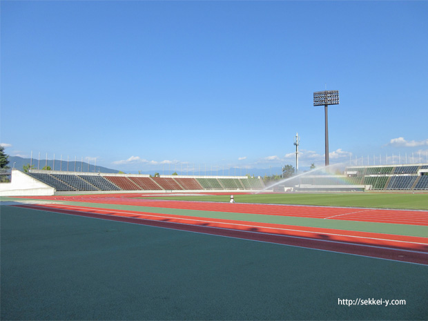 小瀬スポーツ公園 陸上競技場 北側