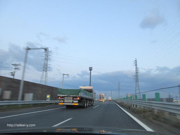 名神高速のトラック