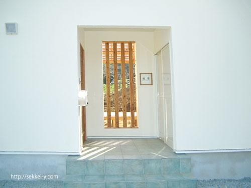 Nハウスの玄関